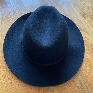 Michael Stars 100% Wool Black Hat